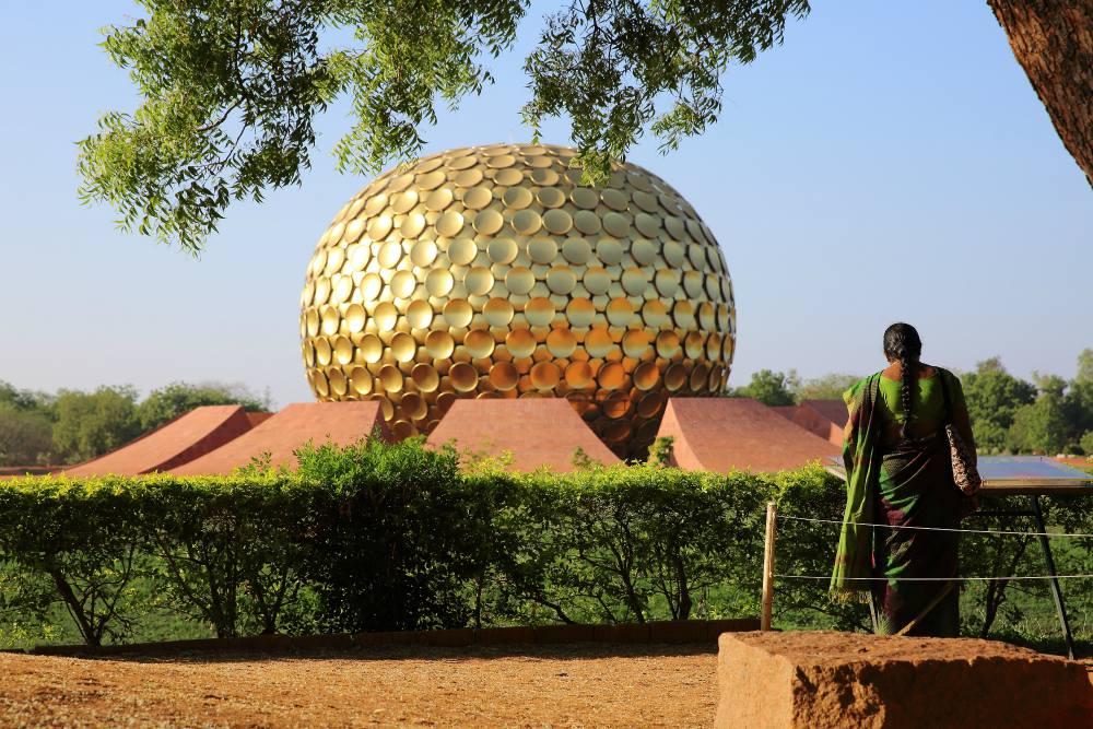 SPIRITUÁLNÁ JUŽNÁ INDIA<br> DEŇ 3: AUROVILLE<br> - Prehliadka komplexu Auroville<br>