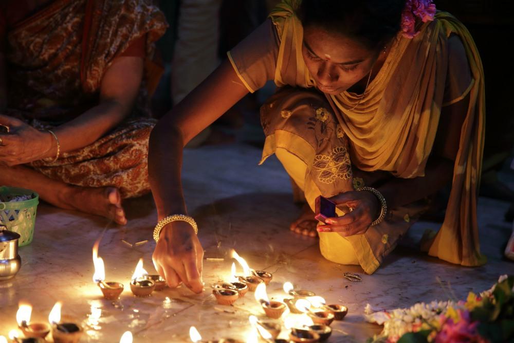 SPIRITUÁLNÁ JUŽNÁ INDIA<br>  DEŇ 4: KUMBAKONAM<br>  - Navagraha chrámy<br>  - Chrám Suriyanar<br>