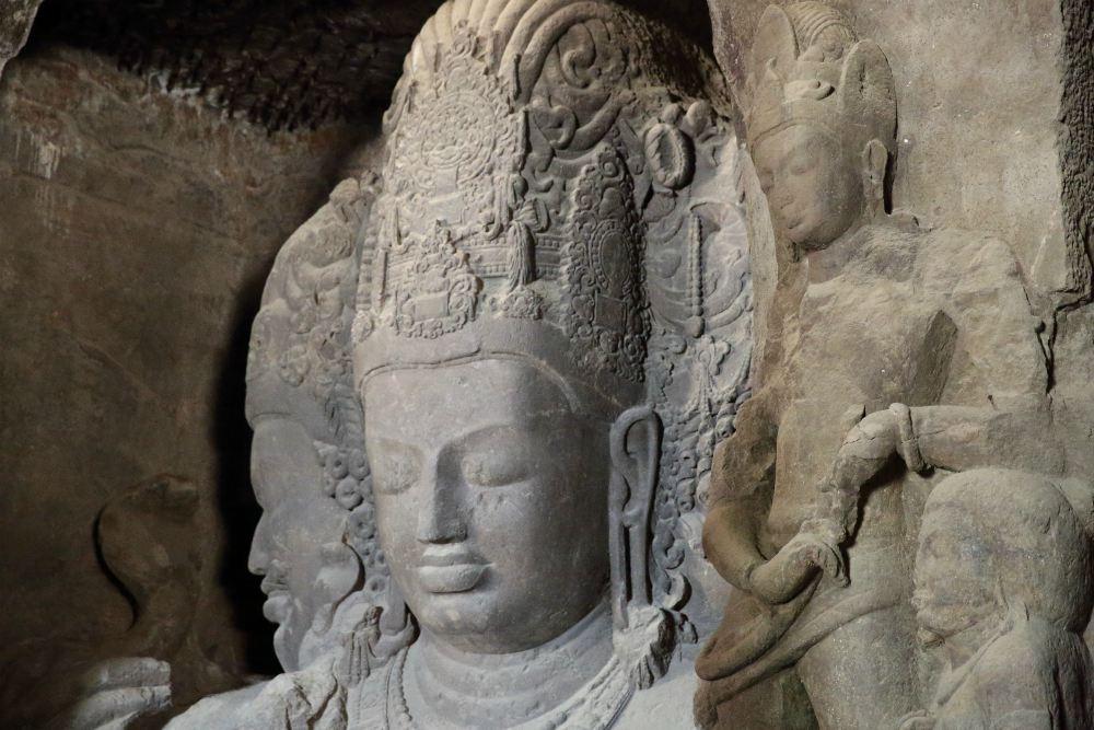 GRAND TOUR INDIOU <br> DEŇ 10: MUMBAI <br> - Jaskyňe Elephanta<br>