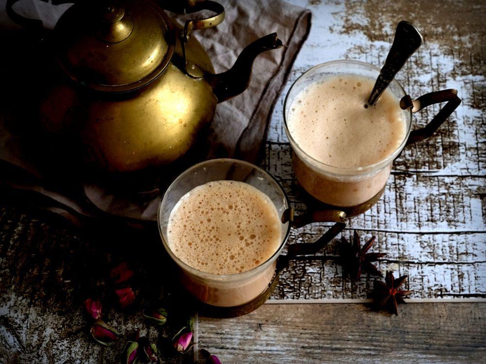 Tajný tip: Já mám ráda masala chai aromatický, takže moje tajná ingredience jsou sušené květy růží, které čaj skvěle ovoní.