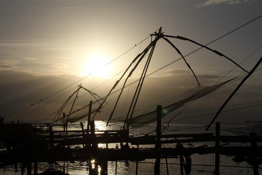 AJURVÉDA A JÓGA S IVANOU BALDO AJURVÉDA A JÓGA S IVANOU BALDO <br>  DEŇ 2: FORT COCHIN<br>  - Prehliadka mesta<br>  - Čínske siete a ryby trh pri západe slnka<br>